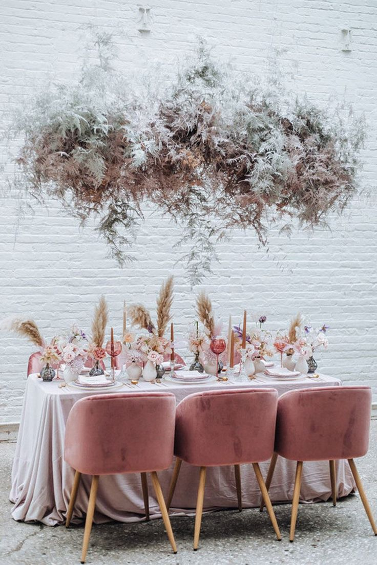 Table Place Settings, Wedding Table Settings, Wedding Table Decorations, Decoration Table, Dusty Rose Wedding, Wedding Flowers, Gypsophila Wedding, Flower Places, Grass Decor