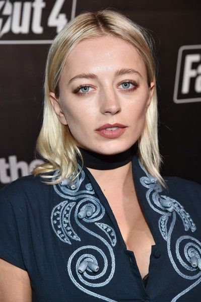 Big breasted model Caroline Vreeland,s nude video nd photos leaked online. This vapid alcoholic slut clearly has more boobs than brains, and desperately
