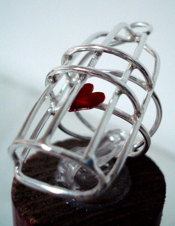 handmade silver ring << imprisoned heart >>