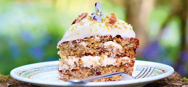 Deze week verschijnt Jamie's comfort food. Hét nieuwe kookboek van Jamie Oliver vol good mood food waar je heel erg vrolijk van wordt. Comfort Food gaat over nostalgie, tradities en favorieten uit je kindertijd. Eergisteren deelden we al het recept voor de chocolade feesttaart, gisteren lasagne met krokante eend en hieronder het recept voor Hummingbirdtaart! […]