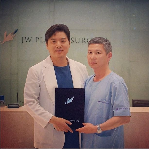 The photo of Dr.Baasan Purevdagva who has been trained in JW Plastic Surgery Korea on 9th of May 2014. He is from Mongolia and most of the time he focused on observing eyelid surgery, lower blepharoplasty done by Dr.#HongLimChoi M.D.,Ph.D.. Additionally we showed him the demonstration of PRP which he had much interest in. JW Plastic Surgery Korea 598-6 Shinsa, Gangnam, Seoul, South Korea English Hotline : +82-1057685114/ 1071955114 Kakao Talk ID : jwps / jwbeautykr E-mail…