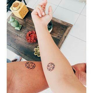 Símbolo ligação pai e filha tattoo ❤