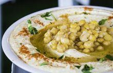 Classic Homemade Israeli Hummus