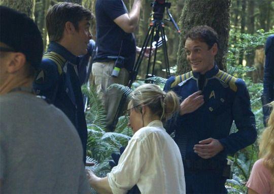 Anton Yelchin and Chris Pine on the set of Star Trek Beyond <3