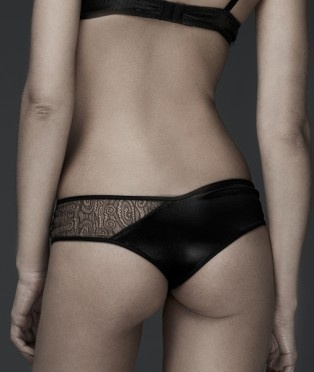 Lingerie. Marquesdenoblesse. Lace and satin asymmetric undie.