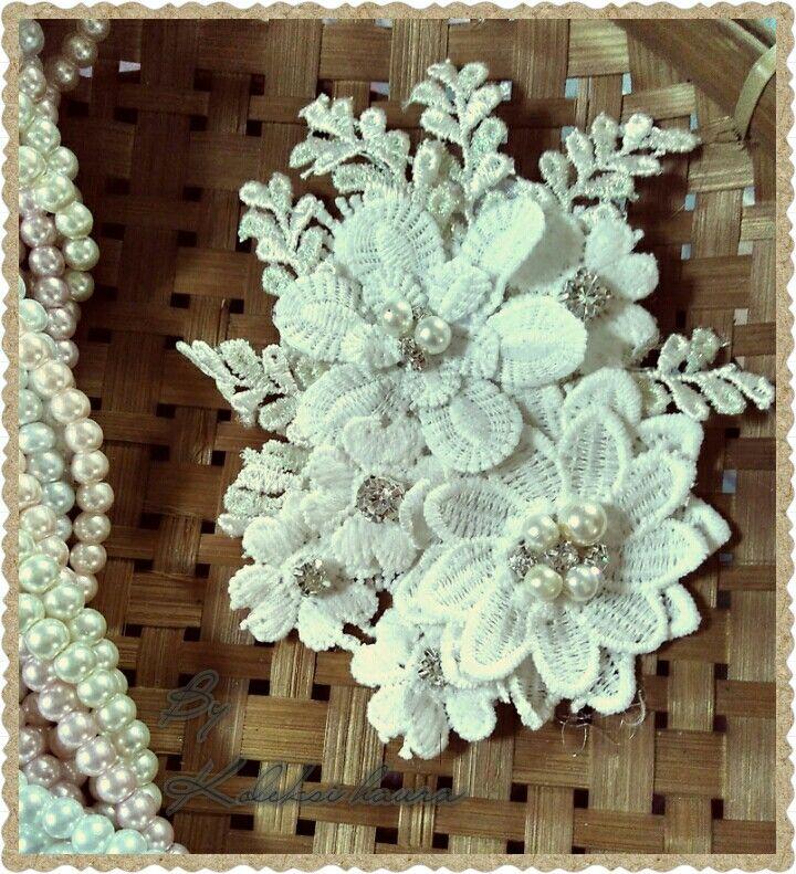 Brooch white series