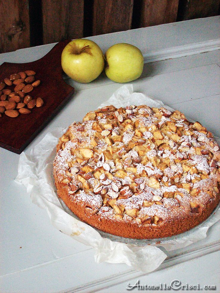 Torta di mele al profumo di mandorle – Apple cake flavored with almonds - MEMORIES AND RECIPES OF AN ITALIAN WOMAN IN SWEDEN