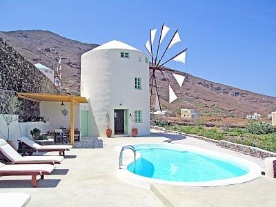 A classic icon, the Greek windmill. why not vacation in one?: Santorini Greece, Favorite Places, Green Windmills, Beautiful, Holidays, Travel, Greek Islands, Windmills Villas, Honeymoons Destinations