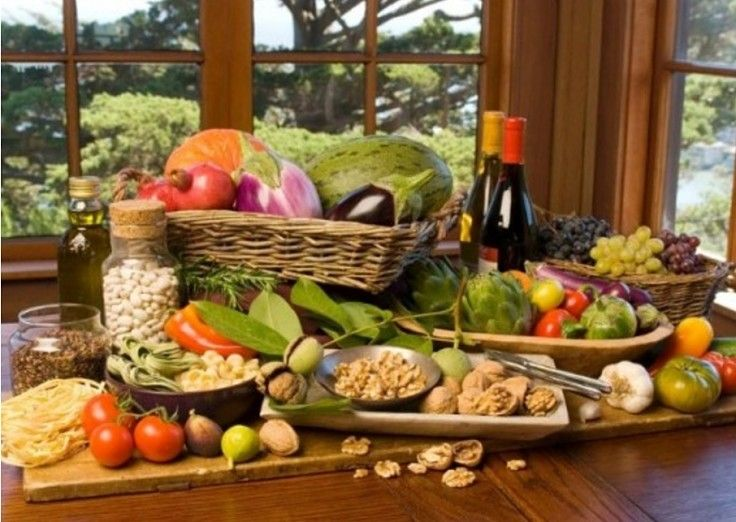The Mediterranean diet is advocated around the world for healthy hearts, a powerful immune system and a strong anti-inflammatory effect on the body in 3-12 months.