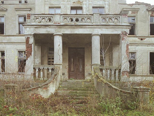 117 best images about houses on pinterest mansions for for Abandoned plantations in the south for sale