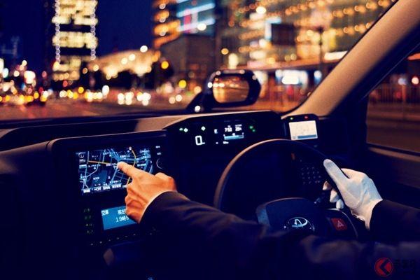 タクシーだけがなぜ 次世代車でも フェンダーミラー ドアミラー タクシー 新型車