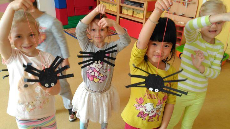 Pavouci z papíru