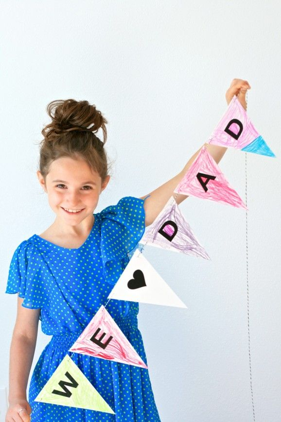 Download this FREE Father's Day Printable Banner at PagingSupermom.com #thehappygal #fathersday #printable #banner
