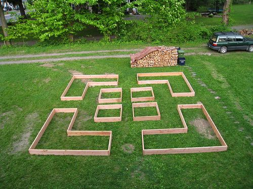 building raised beds by boodely, via Flickr
