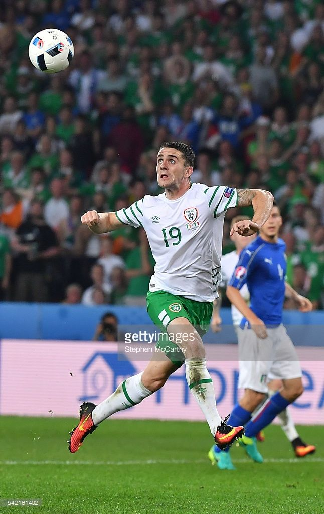 #EURO2016 Lille , France - 22 June 2016; Robbie Brady of Republic of Ireland scores his side's first goal of the game during the UEFA Euro 2016 Group E match between Italy and Republic of Ireland at Stade Pierre-Mauroy in Lille, France.