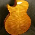 """""""Mi piace"""": 63, commenti: 3 - Wyatt Wilkie (@wyatt_wilkie) su Instagram: """"Photo by Kevin Moldenhauer. #wilkiestringedinstruments #archtopguitars #luthier #handcarved…"""""""