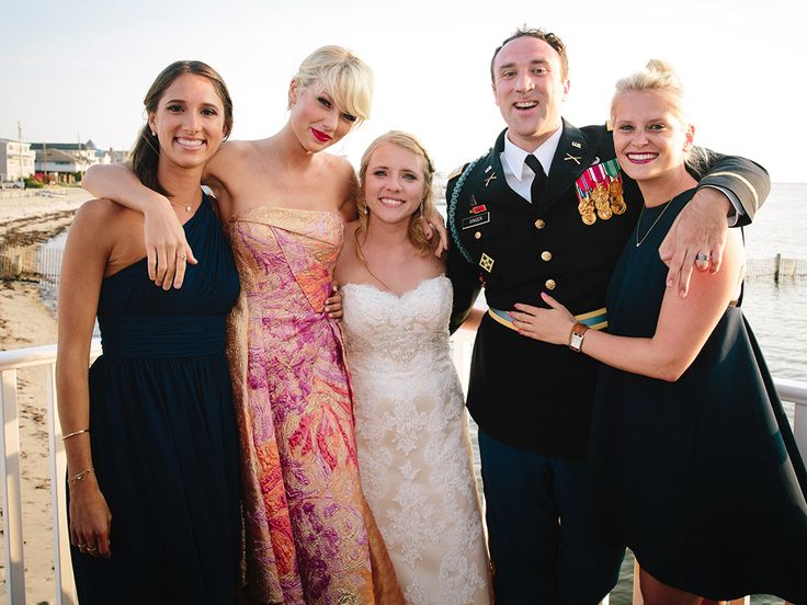 WATCH Taylor Swift Surprises Fan With A Special Performance Of Blank Space At His Wedding And Gave Him Handmade Gift