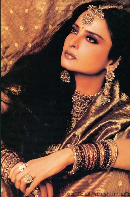 "Rekha ""Evergreen Bollywood Diva"""