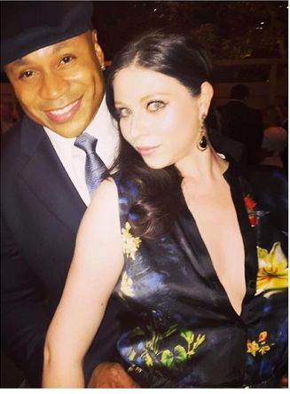 The beautiful @michelletrachtenberg wearing the Marianna Shift Dress by @aliceandolivia at #emmys party! Get her look online.  http://www.oxygenboutique.com/Marianna-Shift-Dress-with-Front-Slit.aspx