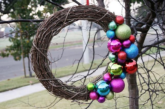 Simple Ornament Wreath: Christmas Wreaths, Ornaments Twig, Simple Ornaments, Christmas Decor, Christmas Ornaments, Holidays Wreaths, Twig Wreaths, Ornaments Wreaths, Diy Christmas