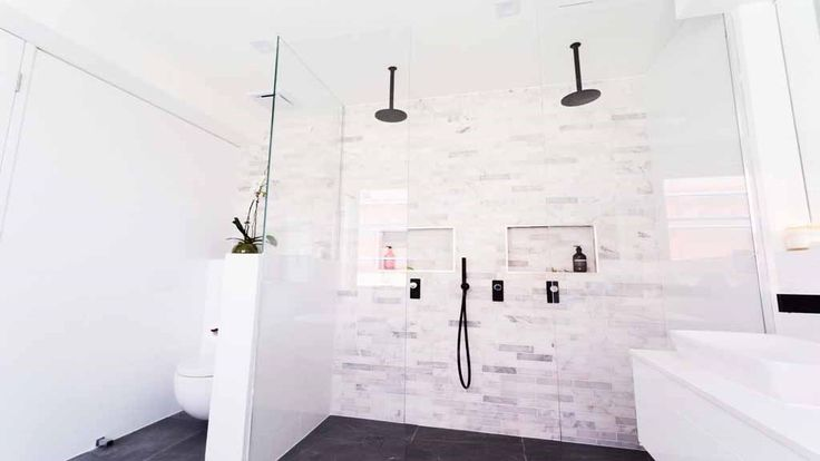Bathroom Layout - Double Shower & Concealed Toilet