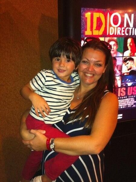 Johannah Tomlinson and a young fan.
