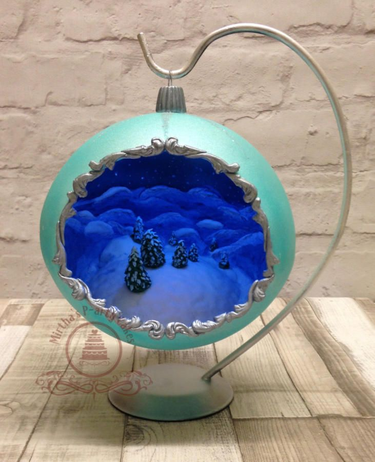 3D Christmas Bauble  by Mirtha's P-arty Cakes