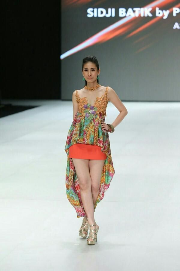 Outfit by Sidji Batik - Indonesia Fashion Week 2014