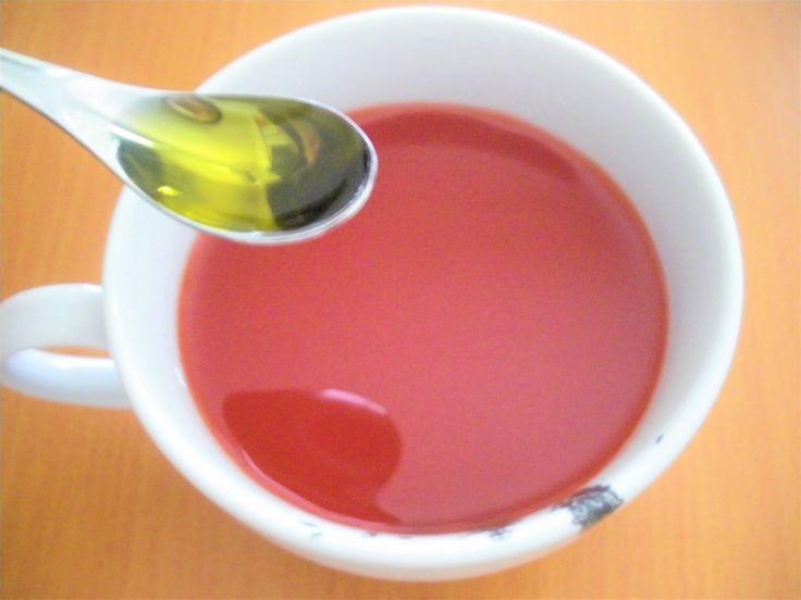 トマトジュースにオリーブオイルを入れ、 電子レンジで温めるだけの ホットトマトジュースを飲む生活は、 今でも毎日続けています。 www.yukicoco.net 食後血糖値の急上昇を避けたいので、 4ヶ月ほど前からは寝る前ではなく、 朝食の30分前に飲んでいますね。 私はアレンジしなくても飽きませんが、 夫は毎日だとさすがに飽きるみたい(^▽^;) それで試しにアレンジしてみたら、 絶品スープに生まれ変わったのです。 トマトジューススープの決め手はトッピング! ホットトマトジュースは、 スープと呼ぶには物足りない味。 だからと言って 余計な調味料を加えるのも嫌だし、 朝は忙しいから面倒。 ズボ…