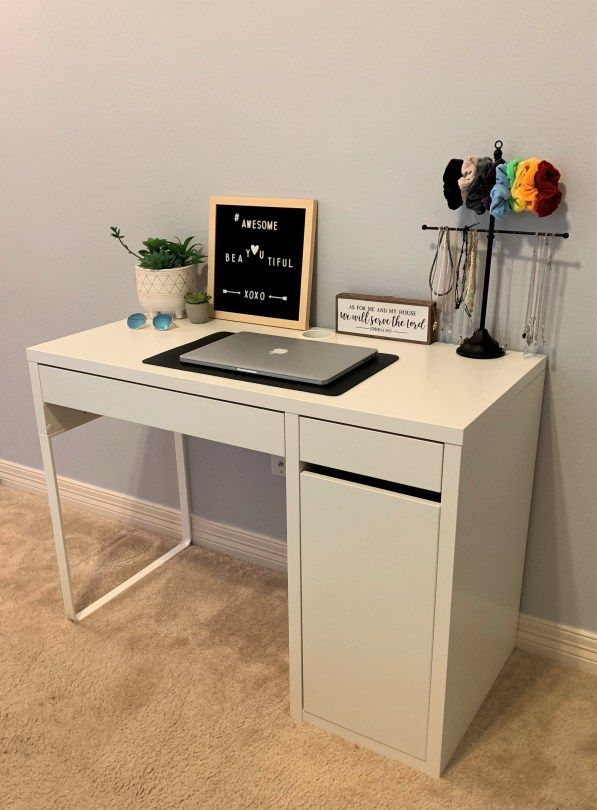 Top 10 Best Desks For Students Thetarnishedjewelblog Desk Layout Desks For Small Spaces Small Bedroom Desk