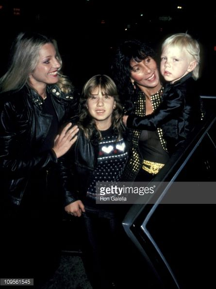georganne-lapiere-chasity-bono-cher-and-elijah-blue-allman-picture-id109561545 (445×594)