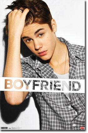 Kiss a Justin Bieber poster
