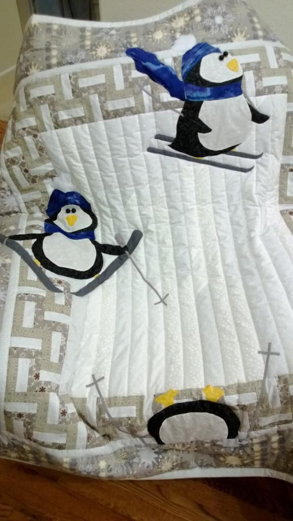 Penguin quilt: Winter Quilts, Quilts Christmas Winter, 80 7 Kb, Skiing Penguin, Kids Quilts Ideas, Quilts Winter, Penguin Quilts, Quilting Borders Ideas, Quilting Board