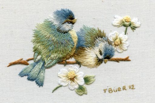 Vintage Bluebirds & Daisies
