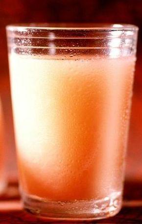 Recept na nápoj, ktorý pomáha pri redukcii tuku v tele. Najlepší priateľ v období, keď sa potrebujete rýchlejšie dostať do formy.  Suroviny: 1 šálka grepovej, pomarančovej, alebo ananásovej šťavy 2 lyžičky jablkového vínneho octu 1 lyžička medu  Postup: Všetky suroviny dobre zmiešame a pijeme denne, pred každým hlavným jedlom.  Komentáre komentárov
