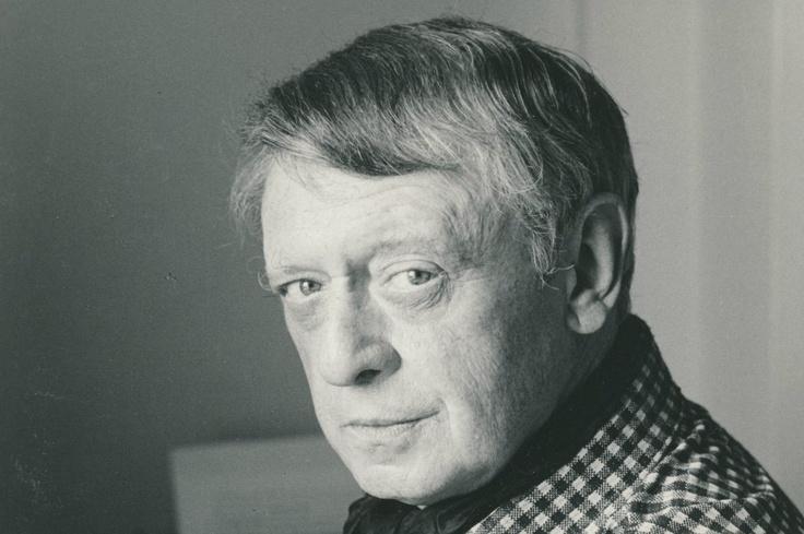 Anthony Burgess, hace 50 años escribió 'La naranja mecánica'.  En 1965 se realizó la primera versión en cine por Andy Warhol, y en el 71 la versión ganadora de Kubrick