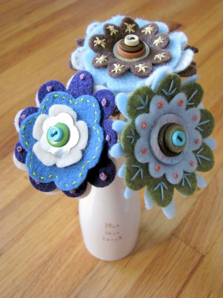 Felt flowers - feeling inspired to make these & maybe add some beads