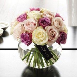 Fishbowl vase center pieces.