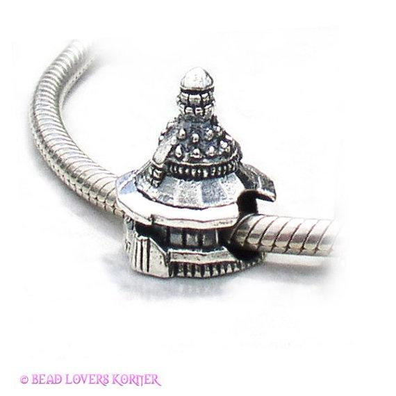 Charm Bracelet - Nubble Lighthouse Charm by VIDA VIDA AfpCb5d