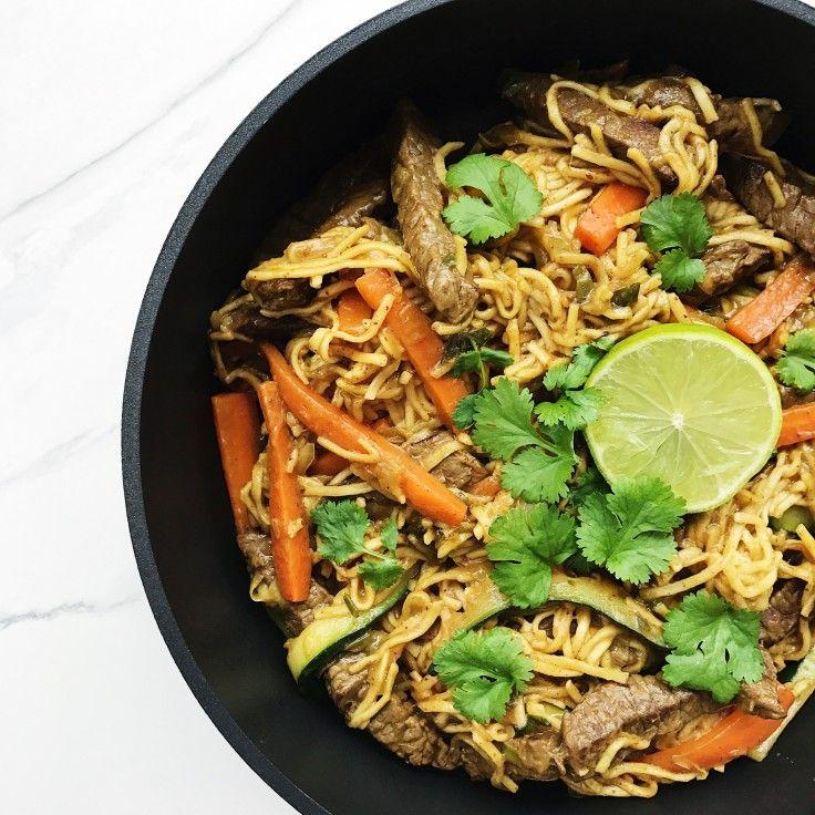 Wok med oksekød og friske grøntsager