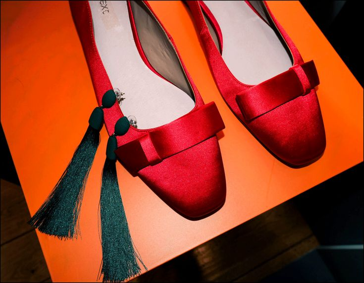 Next press day Spring 18 http://gabriellalundgren.com/next-press-day-spring-18 Perfect red silk flat shoes from Next spring 18.