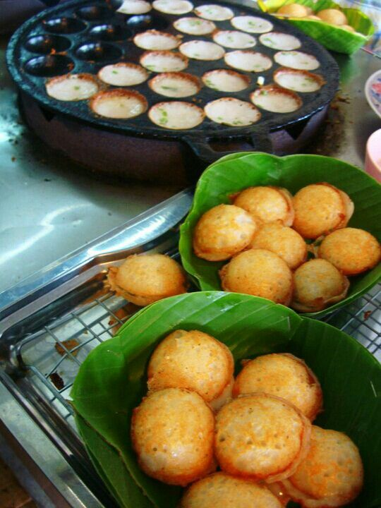 I had kanom krok in Thailand on one of my mission trips.  LOVED it.  I can't wait to make my own at home!