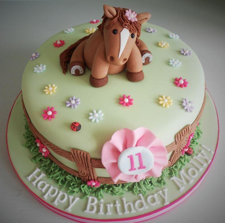Girly horse birthday cake by Little Aardvark Cakery (www.littleaardvarkcakery.com)
