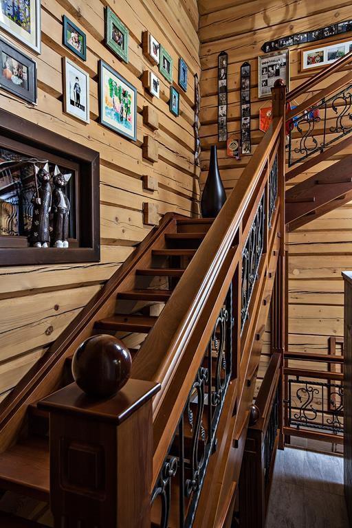 Дизайн лестницы в деревянном доме
