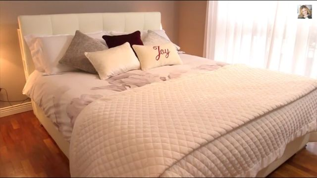 Ivory and cream shades mixed for a glamorous bedroom decor <3