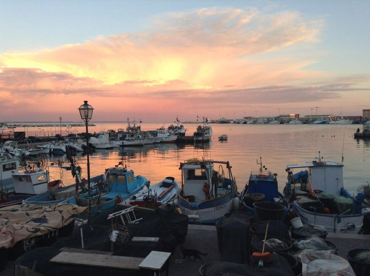 Scende la sera al porto di Anzio!