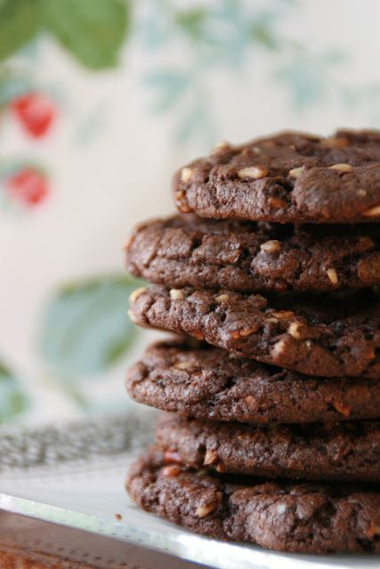 Chunky Chocolate Cookies - made with cake mix! - From http://cookingwithchopin.blogspot.com/
