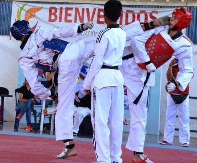 @luisalvarezr17  #BuenTrabajo  NuevaCategoria #PorNuevasMetas #Tokio2020 Ayer en el Chequeo Interno de su Equipo.   #TKDLATINO.COM  #taekwondo  #taekwondowtf  #olympics #TKD #poomsae  #fighter #fight #martialarts  #тхэквондо #Campeon #태권도 #겨루기 #연습 #트래이닝 #운동 #엘에이 #엘리트태권도 #데일리  #태권도 #시합 #미국 #대표선수  #TKD #PATU #OLIMPIADAS #Olimpycs #Campeon #Inspiracion by taekwondolatino