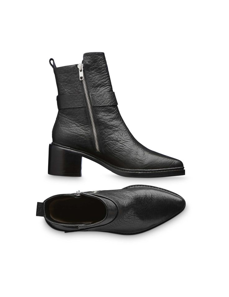 Raysse boots Women's black ankle boot in grainycalf leather with calf lining. Features a wraparound ankle strap and pointy toe. Full leather interior. Full leather outsole with half rubber outsole on top. Heel: 5.5 cm.