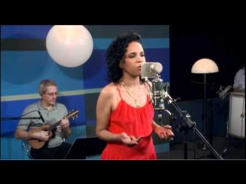 """Teresa Cristina canta """"As forças da Natureza"""" no Sambabook João Nogueira - YouTube"""